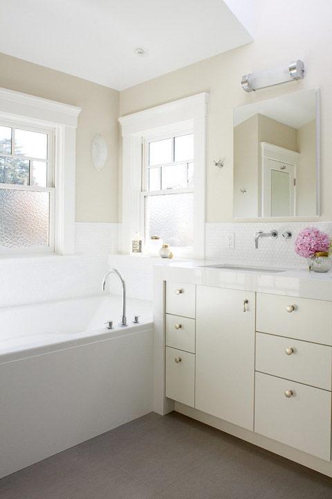 Classic Clean Bathroom
